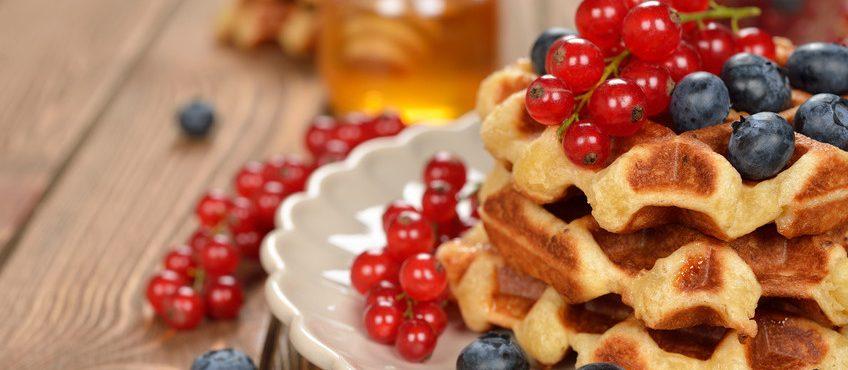 Herzerfrischend Fotolia_87662070_S-e1441626498481-848x370 Haferwaffeln mit Obsttopping Herzhaft  Waffeln Rezept Obst