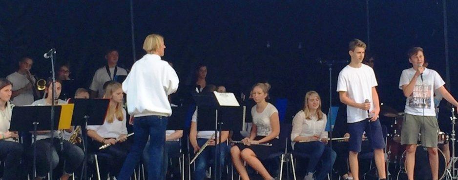 Herzerfrischend IMG_4277_bearb-e1474625107556-938x370 120 Kinder musizierten für andere Kinder Mitarbeiter berichten  Schüchtermann-Fonds Gesamtschule Schinkel Gartenkonzert