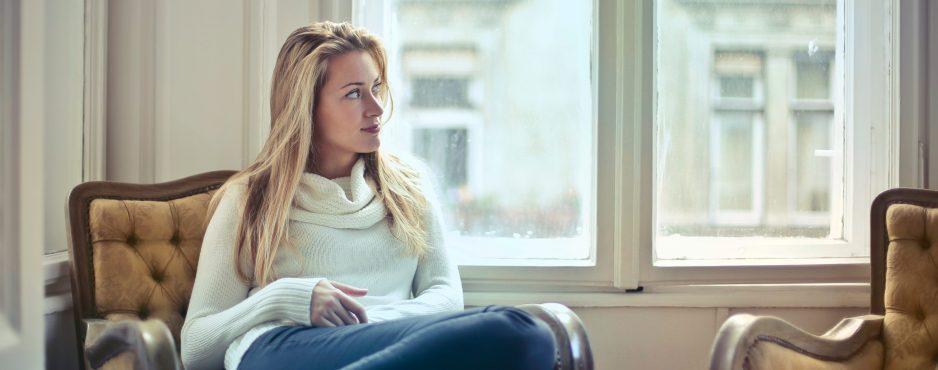 Herzerfrischend armchair-attractive-beautiful-761872-e1551698415572-938x370 Entschleunigtes Atmen als Entspannungstechnik Mitarbeiter berichten  Stress Entspannung Atemübung Atemfrequenz
