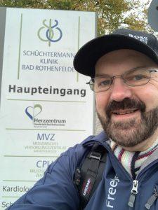 Herzerfrischend pilger1-e1573726888564-225x300 Herzpatient dankt Lebensrettern: Helmut Schmidt wandert von Oldenburg nach Bad Rothenfelde Allgemein